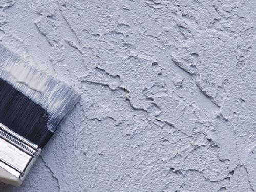 Покраска фасада дома кисть