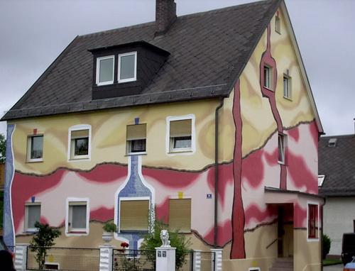Покраска фасада дома в 2 цвета