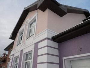 Отделка фасада дома штукатуркой А