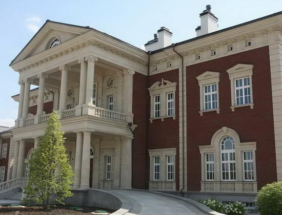 Фасад дома в стиле классическом