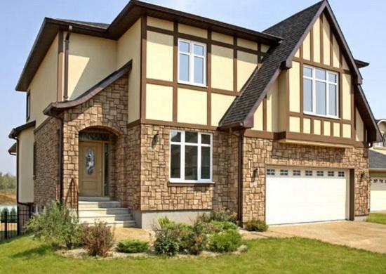 Облицовка фасада дома искусственным камнем 1