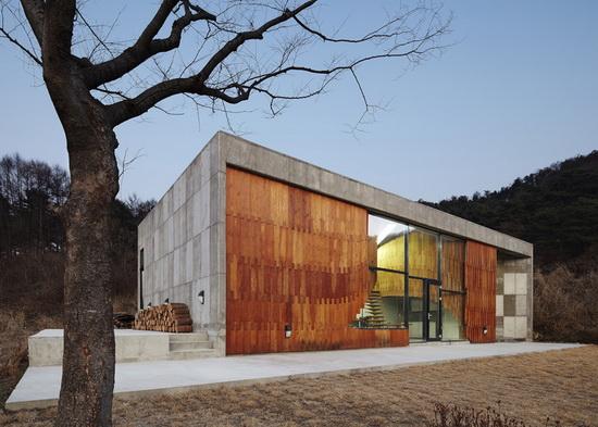 Отделка фасада дома деревом 3