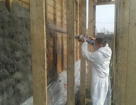 Утепление стен брусового дома снаружи эковатой 2