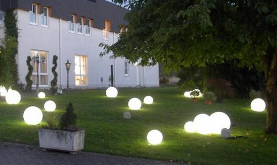 Как использовать фасадные светильники для декора фасада 3