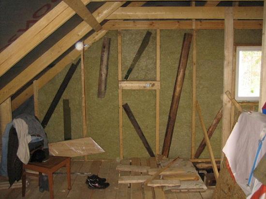 Как утеплить крышу, мансарду, чердак, фронтон в деревянном доме 5