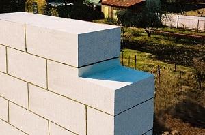 Газосиликатные блоки - основные недостатки при многоэтажном строительстве 1