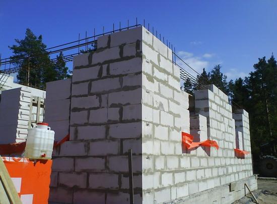 Оригинальная отделка фасада дома из газобетонных блоков 4