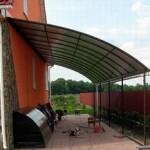 Как можно сделать из поликарбоната навес над крыльцом дома