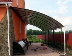 Как можно сделать из поликарбоната навес над крыльцом дома 1