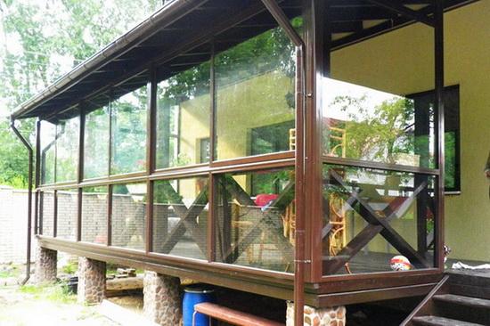 Простое крыльцо к дому из поликарбоната - фото 4