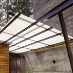 Простой навес над крыльцом из поликарбоната – фото и дизайн