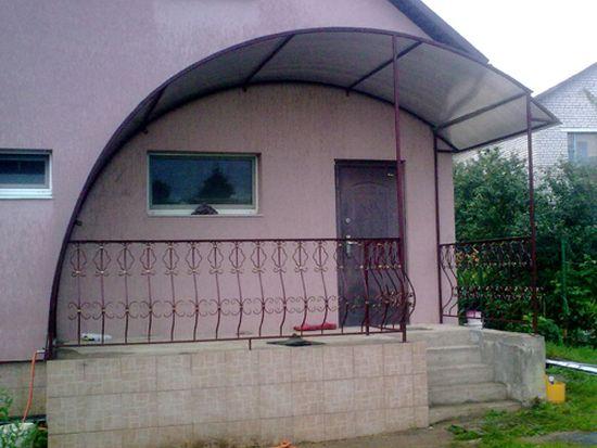 Закрытое крыльцо из поликарбоната для частного дома 3