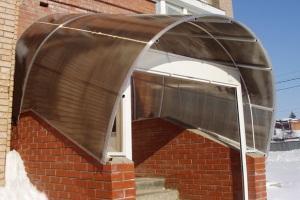 Закрытое крыльцо из поликарбоната для частного дома 1