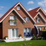 Красивый фасад — фото частных домов из кирпича