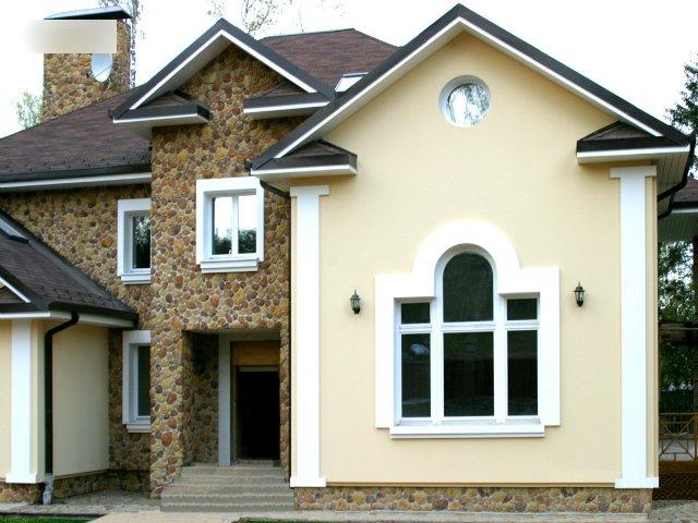 отделка фасада дома камнем и штукатуркой фото 10