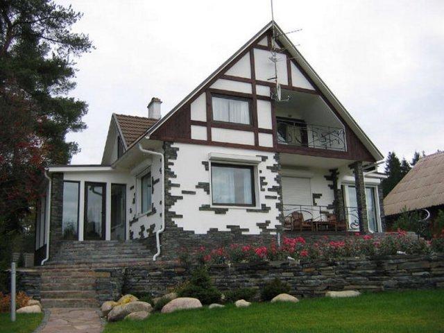 отделка фасада дома камнем и штукатуркой фото 2