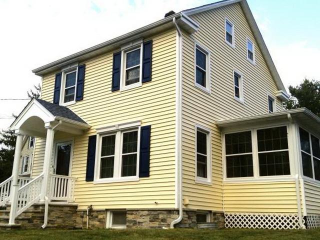 Сочетание цвета крыши и фасада дома на фото 6