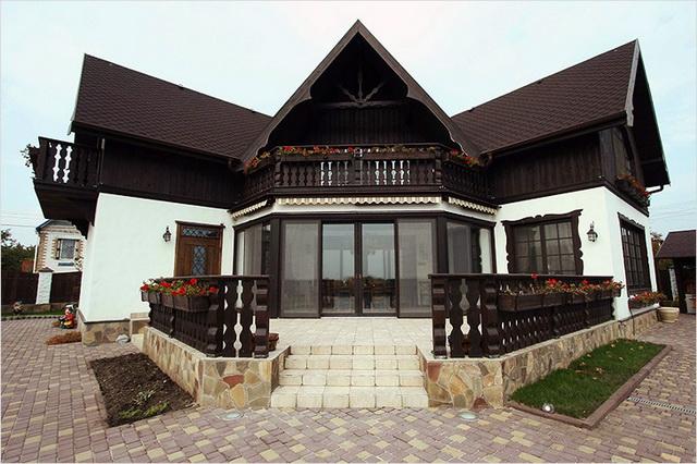 Сочетание цвета крыши и фасада дома на фото 8