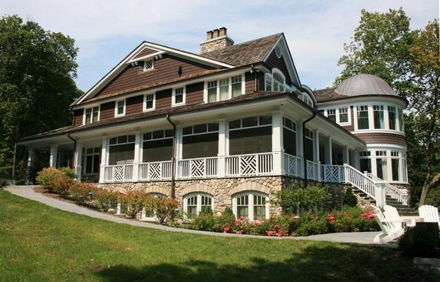 Сочетание цвета крыши и фасада дома на фото 9
