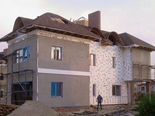 Лучше всего использовать пенопласт в системе мокрого фасада.