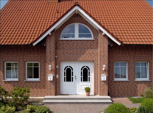 оформление фасада дома кирпич 2