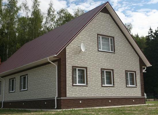 Фасад с отделкой из кирпича