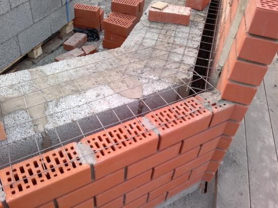 Крепление пенопласта к кирпичной стене 2
