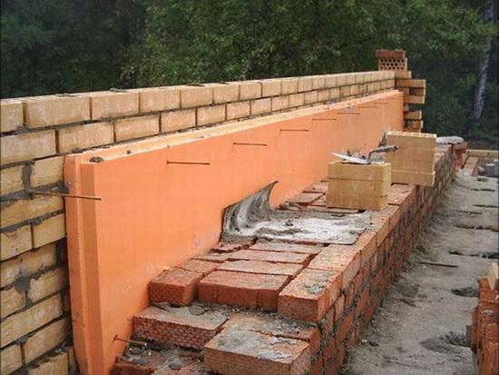 Крепление пенопласта к кирпичной стене 3