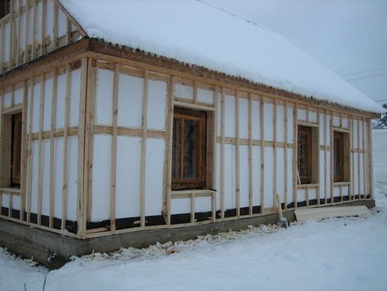 Утепление брусового дома снаружи пенопластом 4