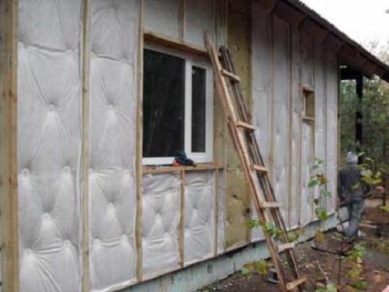 Как можно утеплить старый деревенский деревянный дом 2