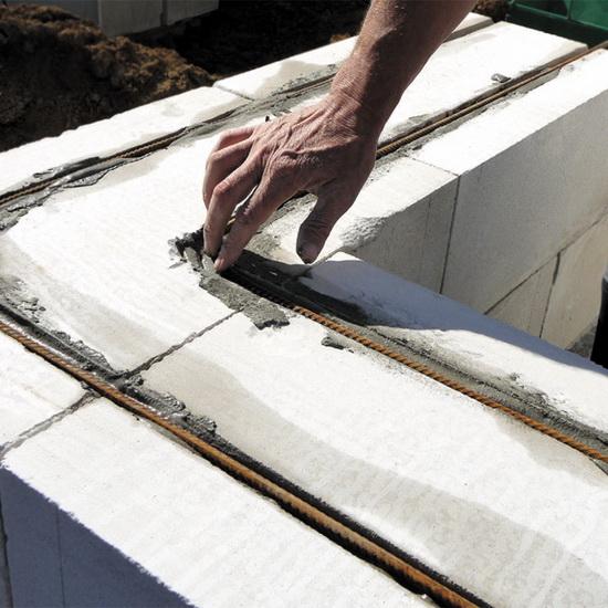 Правильное армирование газобетонных блоков при возведении двухэтажного дома 2