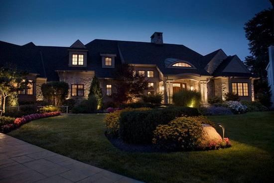 Прожекторы для наружного освещения - светодиодные варианты подсветки фасада 3