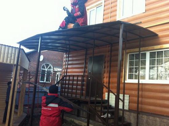 Крыльцо для частного дома из поликарбоната - фото 2