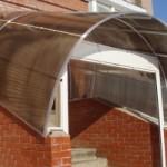 Закрытое крыльцо из поликарбоната для частного дома